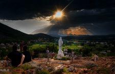 La Madonna a Medjugorje parla a Ivanka dei problemi della Chiesa.