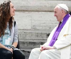 Se il Papa che non conosce protocolli scende in piazza a confessare i ragazzi