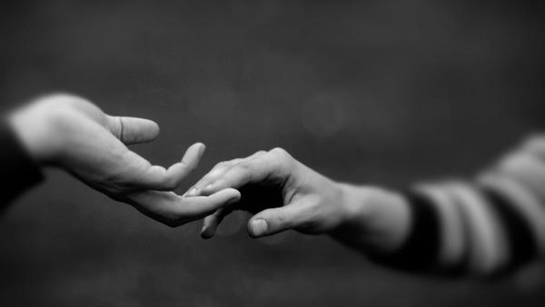 Lunedì 16 Maggio - Dammi la mano