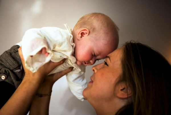 mamma-giovane-neonato.600