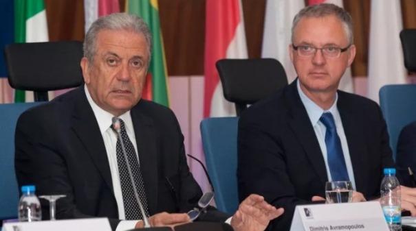 Alexis Goosdeel, direttore Emcdda (a destra) e il commissario Ue Dimitris Avramopoulos