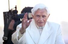 Quando Benedetto XVI ci ricordò che 'pregando apriamo una finestra verso il cielo'