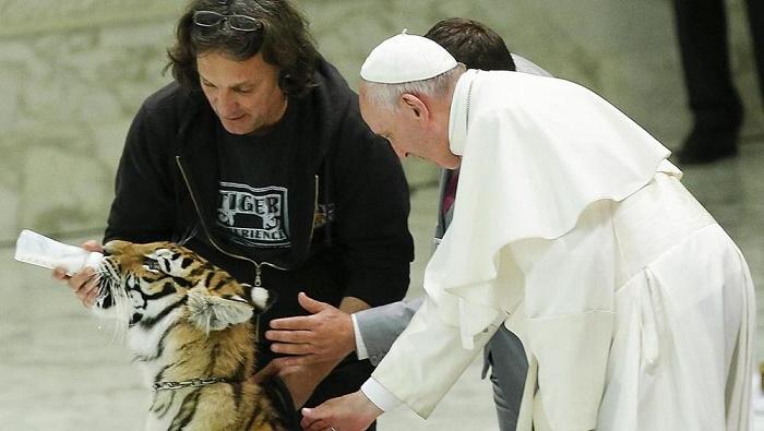 VaticanPopeJPEG-3705d_1466074330