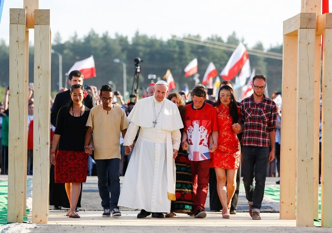 2016-07-30T173755Z_1210974017_D1BETSPCRZAA_RTRMADP_3_POPE-POLAND