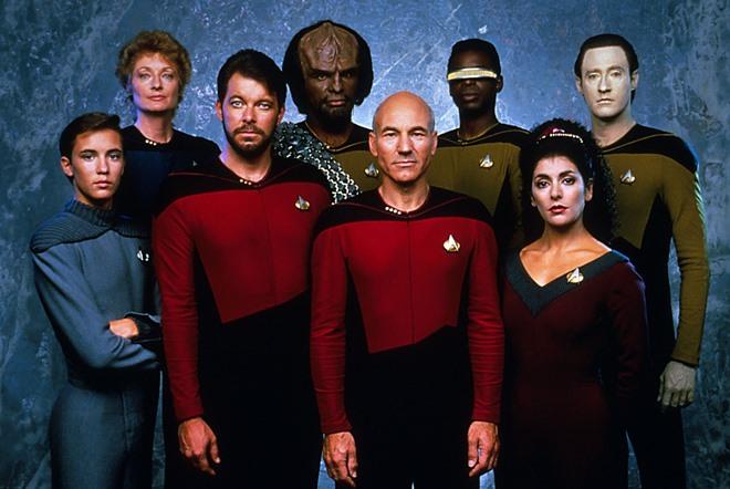 Star-Trek-The-Next-Generation-star-trek-the-next-generation-9406205-2275-1524