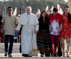 La Gmg di Wojtyla e la Gmg di Bergoglio. Sentinelle vs fraternità
