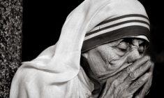 Madre Teresa -4 al grande giorno! Madre Santa, prega per i giovani sposi!