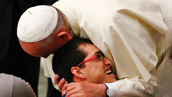 Videomessaggio di Papa Francesco: la misericordia cambia i cuori!