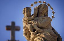 15 bellissime preghiere da recitare davvero in 1 minuto