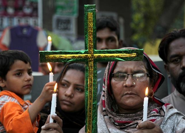 pakistan-cristiani-lahore-attentati-ansa-ap