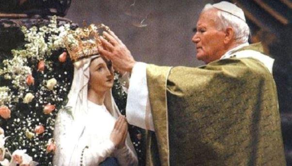 Giovanni Paolo II madonna
