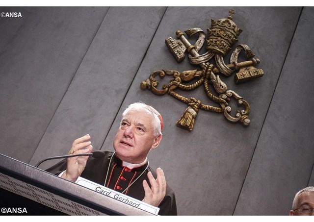 La cremazione sta diventando una pratica crescente, forse a breve diventerà ordinaria, ha spiegato oggi il cardinale Gerhard Müller, prefetto della Congregazione per la Dottrina della Fede