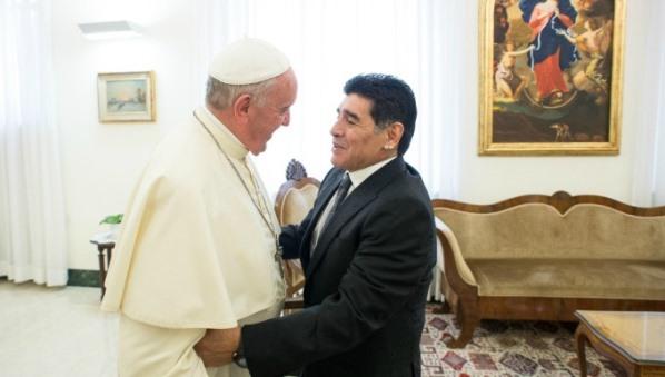 Diego Maradona con il Papa