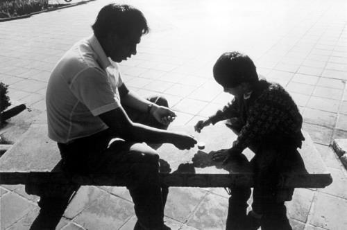 Ha solo 8 anni. Un bambino di Palermo fugge da casa in treno. Voglio conoscere il mio papà!