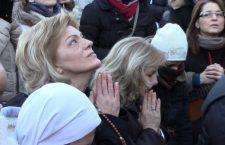 A Medjugorje può cambiare il mondo. La veggente Mirjana: 'Conosco tutto dei segreti, anche le date'.