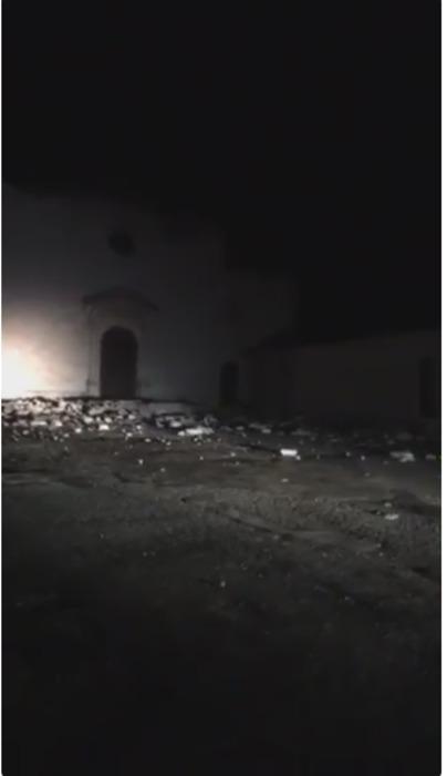 Tanta paura e crolli di cornicioni a Visso, in provincia di Macerata. La popolazione si è riversata in strada e sono numerosissime le telefonate ai vigili del fuoco.