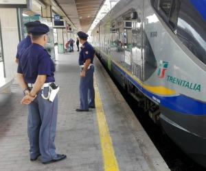 """Figlio e padre / In treno da Termini Imerese a Palermo a 9 anni: un """"viaggio"""" per conoscere papà"""