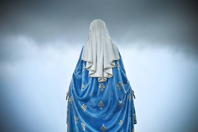 web-our-lady-madonna-mary-statue-back-worradirek-shutterstock_226051258