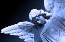 Preghiamo adesso il nostro Angelo custode perché ci difenda da ogni male!