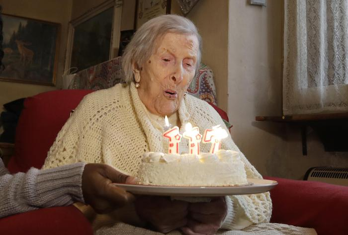 Emma Morano, 117 years old, blows candles in the day of her birthday in Verbania, Italy, Tuesday, Nov. 29, 2016. At 117 years of age, Emma is now the oldest person in the world and is believed to be the last surviving person in the world who was born in the 1800s, coming into the world on Nov. 29, 1899. (ANSA/AP Photo/Antonio Calanni) [CopyrightNotice: Copyright 2016 The Associated Press. All rights reserved.]