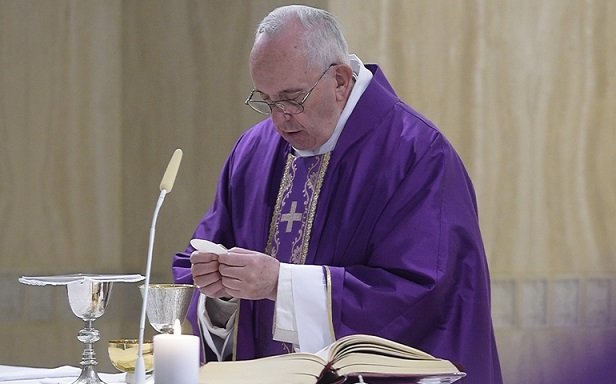 20160314t1314-680-cns-pope-mass-trust