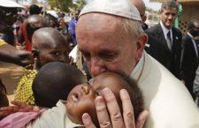 """Papa Francesco: 'E' inaccettabile, perché disumano, un sistema economico mondiale che scarta"""""""