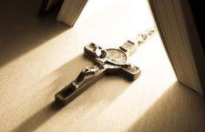 Una lettera di Gesù tutta per te: scrivo dalla mia croce alla tua solitudine!