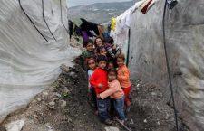Ci sono circa 300.000 bambini intrappolati in Siria. Nel silenzio dei potenti del mondo
