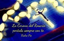 Padre Pio ti invita a recitare il Rosario e ti ricorda: Satana non distruggerà mai questa preghiera!