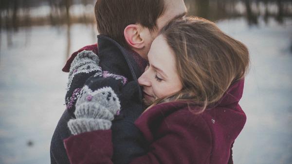 Lunedì 27 Febbraio - Stretto come un abbraccio