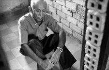 Arrestato e torturato dai Khmer rossi, Chum Mey 40 anni ha trovato il coraggio di perdonare