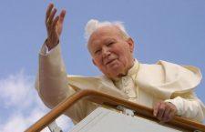 La preghiera per benedire e sostenere nell'amore la tua famiglia (di San Giovanni Paolo II)