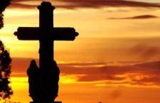 Questa notte preghiamo per tutti gli 'Angeli' che hanno attraversato la nostra vita e ci guidano dal Cielo