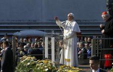 Le prime parole di Francesco a Milano: La Madonnina mi ha aspettato alle porte di Milano!
