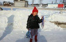 La bambina di 4 anni che ha percorso 8 chilometri nella foresta siberiana per salvare la nonna