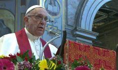 """La denuncia di Papa Francesco: """"I campi profughi sono campi di concentramento"""""""