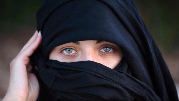 Velo islamico. Rispettare segni di tutti. Ma imporlo è come uno stupro