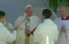 Papa Francesco: 'Il cristiano parla sempre con dolcezza e rispetto'
