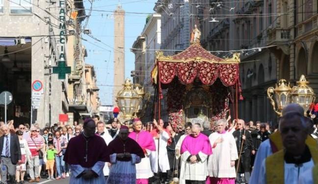 Bologna, la Madonna torna a San Luca