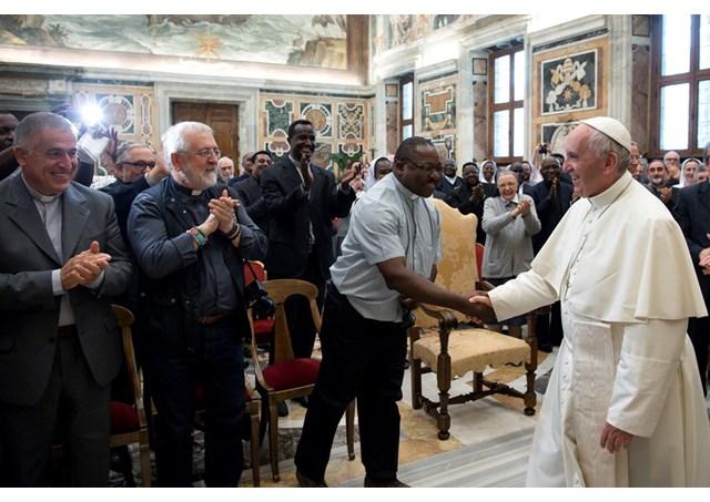 Lincoraggiamento di papa francesco ai missionari della consolata