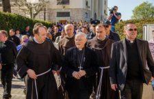 Novena alla Madonna di Medjugorje – IV giorno: Preghiamo per la Chiesa