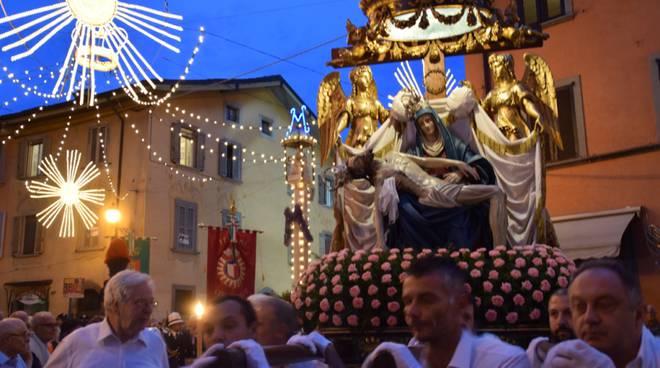Ogni giorno una Lode a Maria, 27 luglio 2020, Madonna di Borgo Santa Caterina, prega per noi