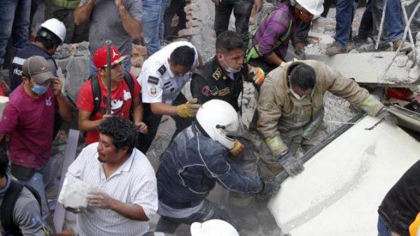Il piccolo Rodrigo si è salvato nella scuola crollata in Messico e dice: 'Ho sentito Gesù vicino a me'