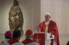 Papa Francesco: 'La porta per incontrare Gesù è riconoscersi peccatore'