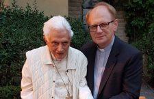 Quando Benedetto XVI disse: Non abbandono la croce!