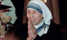 Quella battaglia senza esclusione di colpi che Madre Teresa vinse contro il demonio