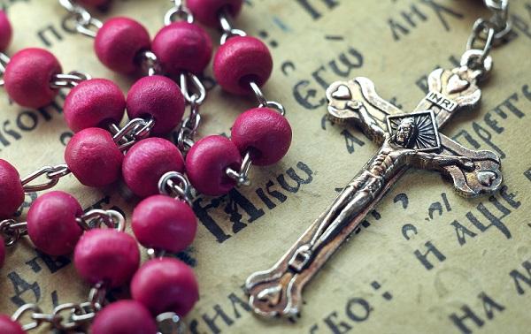 Ogni giorno una Lode a Maria 25 ottobre 2020. Il Santo Rosario, vera 'scala delle grazie'