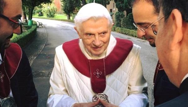 Benedetto XVI: origine della pedofilia va ricercata nella rivoluzione sessuale del '68
