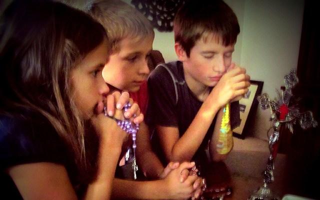 rosary-kids