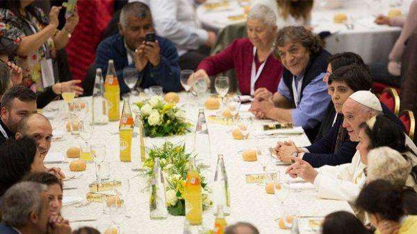 1500 poveri a pranzo con Papa Francesco: auguriamoci sempre il bene l'uno dell'altro